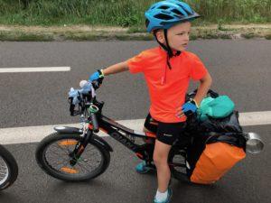 Emil i jego pierwsza wyprawa rowerowa